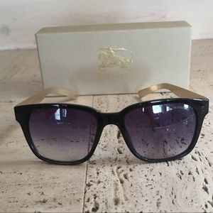 BURBERRY SUNGLASSES🕶VINTAGE AND CLASSY😍🤩😎♥️